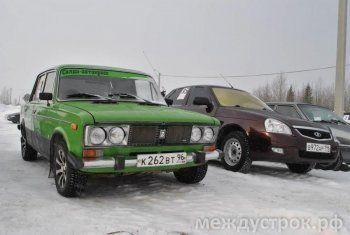 В Свердловской области девушки поздравили мужчин с 23 февраля автогонками. «У меня уже несколько штрафов за превышение скорости» (ФОТО, ВИДЕО)