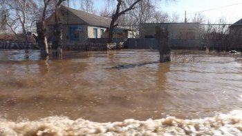 Областные чиновники поехали спасать Тавду от самого большого в её истории паводка