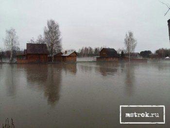 Правительство Свердловской области пообещало возместить ущерб пострадавшим от паводка