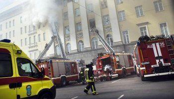 Пожар в здании Минобороны РФ тушили более 9 часов (ВИДЕО)