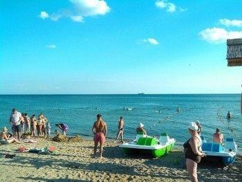 Власти Крыма призвали западных знаменитостей переселяться на полуостров