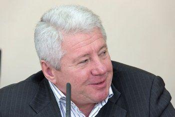 Тагильский депутат-бизнесмен попросил коллег защитить себя от «драконовских» требований торговых сетей к качеству своих батонов