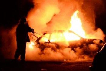 В Нижнем Тагиле на территории психбольницы сгорели две иномарки сотрудников