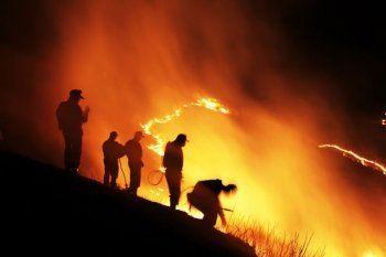 МЧС предложило США помощь в тушении пожаров в Калифорнии