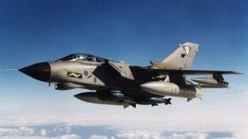 Минобороны потребовало объяснить разрешение британским ВВС сбивать российские самолёты