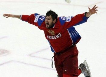 Известный тагильский хоккеист Александр Радулов стал отцом
