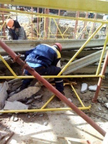 В Нижнем Тагиле при обрушении перекрытий строящегося паркинга погиб человек