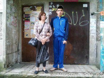Один день семьи аутиста в Нижнем Тагиле: как побороть жестокость соотечественников, если твоя сестра не Наталья Водянова