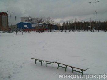 В Нижнем Тагиле юные футболисты вынуждены тренироваться «на льду»