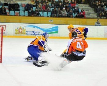 ХК «Спутник» лишил «Дизель» шансов на выход в плей-офф