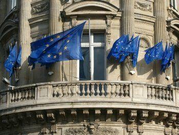 Евросоюз продлил санкции против граждан России и Украины