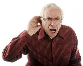 Свердловское правительство поможет пенсионерам с проблемами слуха
