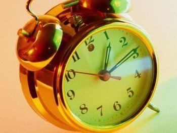 26 октября стрелки часов переведут «раз и навсегда»