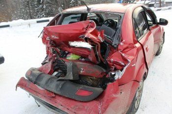 В автомобильном бильярде под Нижним Тагилом столкнулись 6 машин. Пострадал ребёнок
