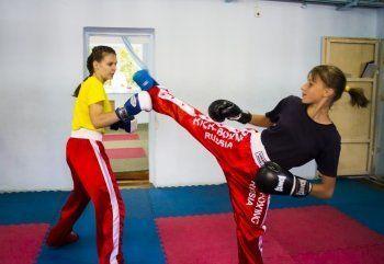 «Сейчас каждый сам за себя». Чемпионки России по кикбоксингу рискуют оказаться невыездными