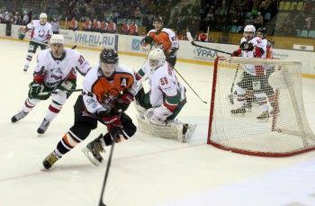 «Спутник» обыграл казанских хоккеистов