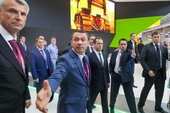 Сергей Носов приглашён в Москву на закрытую встречу «Единой России». «В сентябре перейдёт в Госдуму»