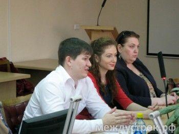 Инициативы общественников насторожили Сергея Носова. Глава города рекомендовал бороться «с ямами в головах»