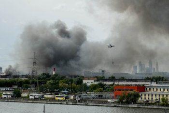В Москве загорелся бывший завод ЗИЛ (ВИДЕО)