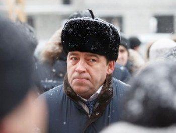 Губернатор Куйвашев приехал в свердловское село, дорогу в которое поручил отремонтировать Путин