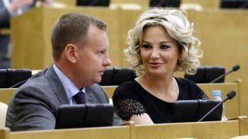 Максакову исключат из «Единой России» за двойное гражданство