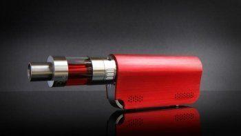 Минфин предложил обложить акцизом электронные сигареты и жидкости к ним
