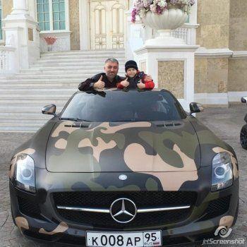 Восьмилетнему сыну Рамзана Кадырова подарили Mercedes