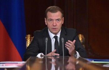 Медведев заявил о неизбежности повышения пенсионного возраста