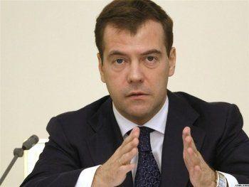 Медведев утвердил национальную стратегию в интересах женщин