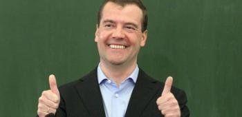 Медведев в интервью Time ответил на санкции Евросоюза словами Воланда