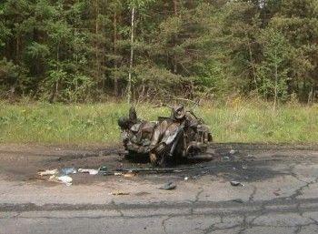 Два ребёнка госпитализированы, мотоциклист погиб. На месте ДТП под Нижним Тагилом остались груды искорёженного металла