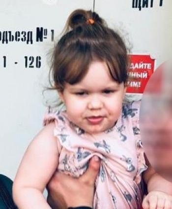 В Нижнем Тагиле судебные приставы разыскивают двухлетнюю девочку, которую отец скрывает от матери