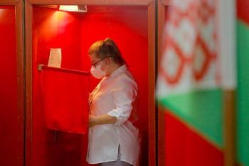 Все кандидаты в президенты Беларуси, кроме Лукашенко, потребовали аннулировать итоги выборов
