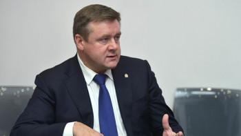Несовершеннолетняя дочь губернатора Рязанской области задекларировала доход в 10 млн рублей — вдвое больше, чем у отца
