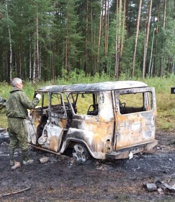 В Свердловской области пьяные браконьеры обстреляли СОБР и сожгли служебный УАЗ (ФОТО)