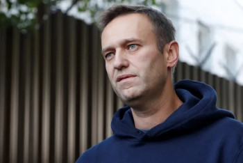 Навального ввели вкому