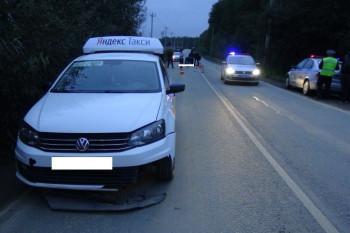 В Екатеринбурге машина задавила насмерть лежащего на дороге пешехода