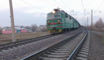 СК начал проверку двух наездов поездов на жителей Свердловской области