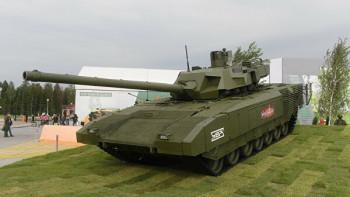 Выпускаемую УВЗ «Армату» могут заменить двухзвенным «танком будущего»