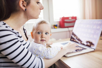 Больше 800 жителей Нижнего Тагила могут получить на детей единовременную выплату 10 тысяч рублей. Подать заявление нужно до 30 сентября