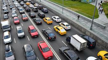 Правительство не поддержало предложение ЛДПР об отмене транспортного налога