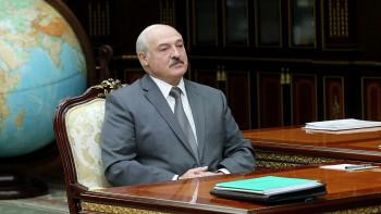 «Красили попы синей краской»: Лукашенко обвинил протестующих в имитации последствий побоев