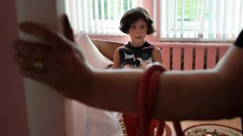 Правительство поддержало законопроект об ограничении изъятия детей