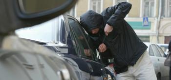 ВИрбите суд приговорил к 6,5 годам колонии жителя, подговорившего подростков угнать пять машин