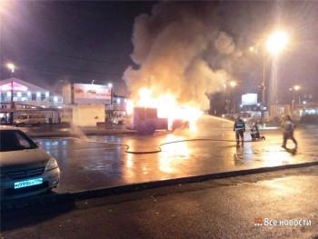 В Нижнем Тагиле возле вокзала сгорел пассажирский автобус