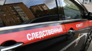 Житель Воронежа после ссоры сженой поджёг автомобиль сосвоей годовалой дочерью