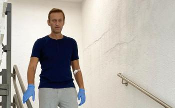 Навальный ответил напредположение Путина отом, что онсам принял яд