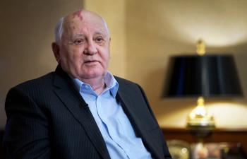 «Ещё надо потрудиться»: Михаил Горбачёв поддержал протестующих в Беларуси