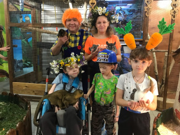 Благотворительный фонд Нижнего Тагила подарил поход в зоопарк детям с тяжёлыми заболеваниями