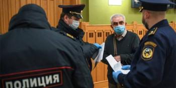 Московские полицейские провели рейды по театрам в поисках пенсионеров, нарушающих режим самоизоляции
